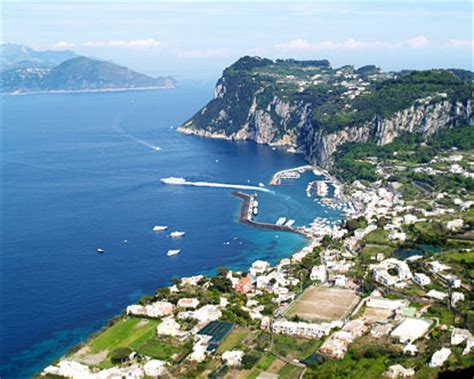 Bay of Naples - Gulf of Naples Attractions