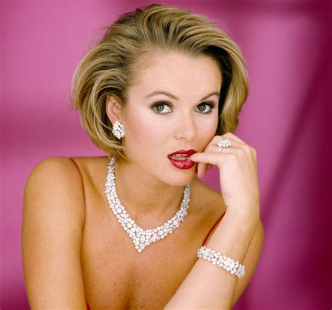 Amanda Holden is unrecognisable as she strips off for