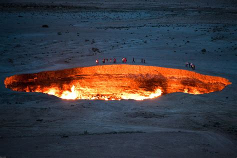 """""""Door to Hell"""" -- The Darvaza Gas Crater 