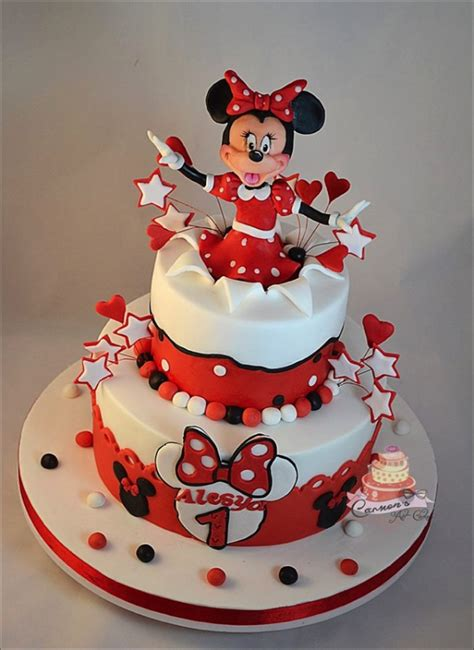 These Two Minnie Mouse 1st Birthday Cakes Are Too Cute!