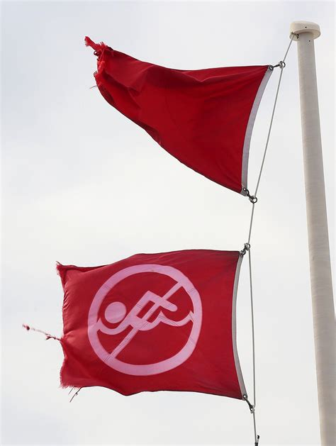 Double Red flag conditions close Gulf - News - Panama City