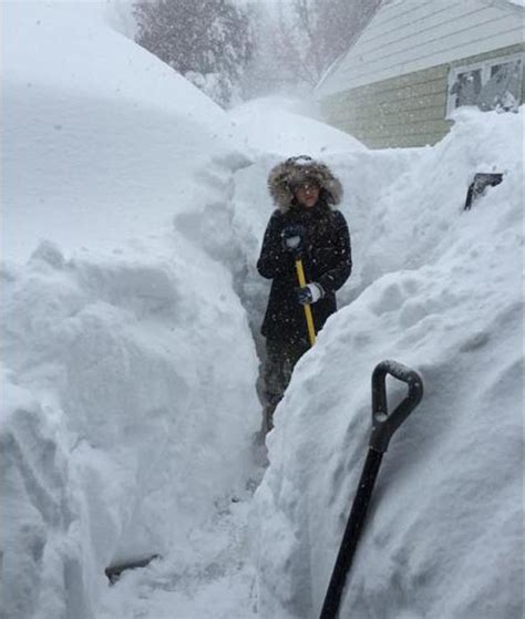 Photographs of snow storm in Buffalo New York - The Casual