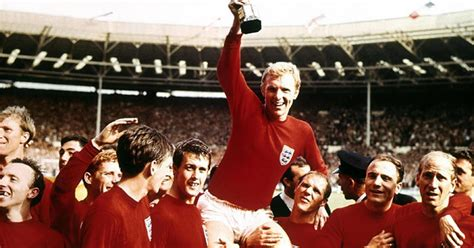 Get a FREE 1966 World Cup art print of the iconic photo of