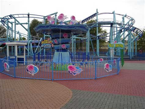 Sea Swing in Movie Park Germany - Rides
