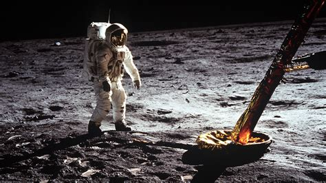 5 Terrifying Moments During the Apollo 11 Moon Landing