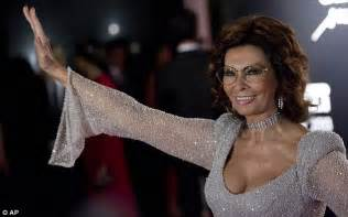 Sophia Loren puts all the younger models in the shade at