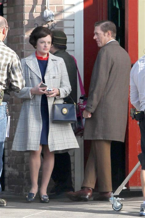 Elisabeth Moss Certainly Looks Good While Filming the New