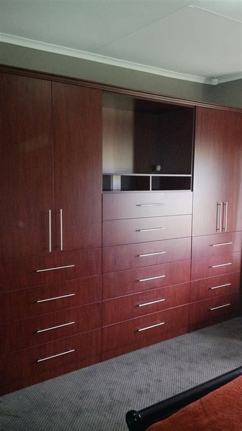 Built-in Cupboards – Carpentry King
