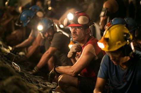 Movie review: 'The 33' re-creates the 2010 Chilean mining